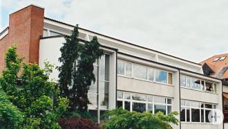 Neubau heute Zwischengebäude